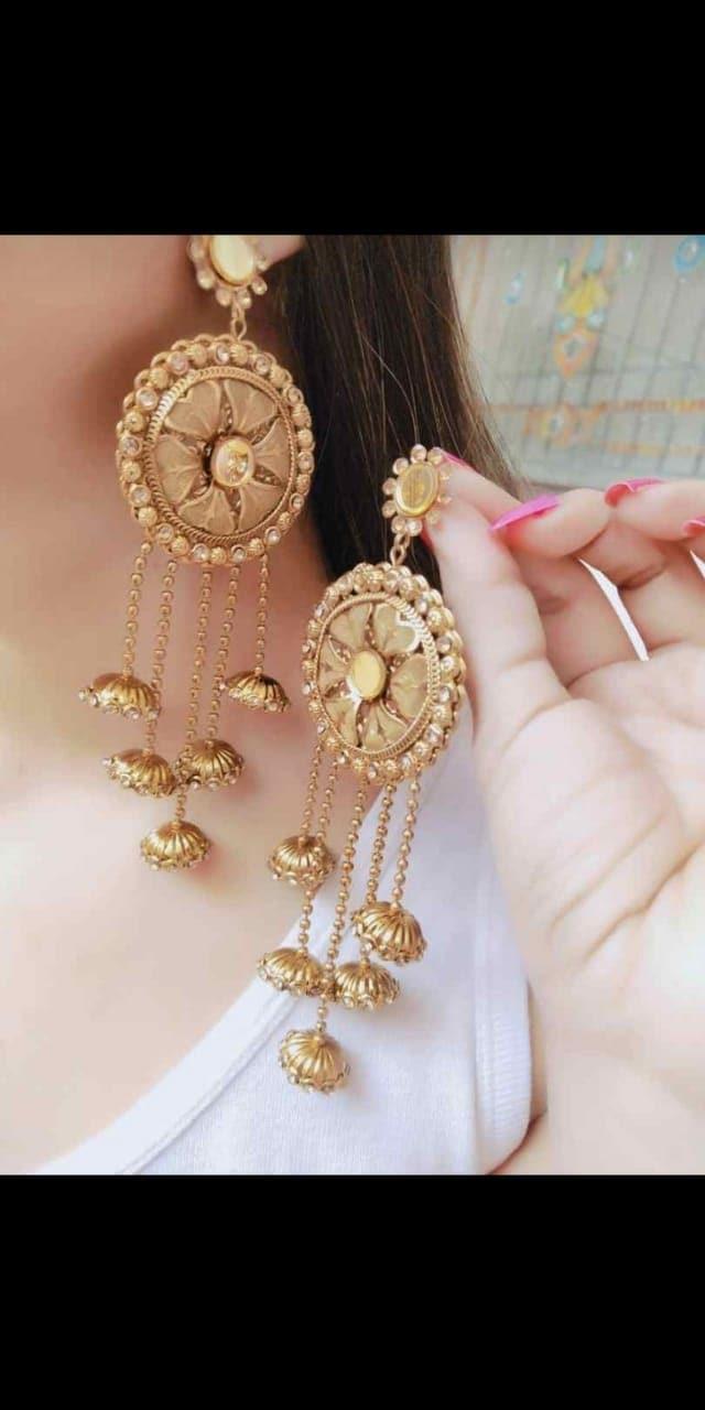 #earringsoftheday #trendy-jhumkas #woman-fashion #be-fashionable #himachaliblogger #ropo-punjabi #ropo-beauty #ropogirl #summer-fashion #jumkhas #girlshopping #be-fashionable #women-branded-shopping 💕💕💕💕