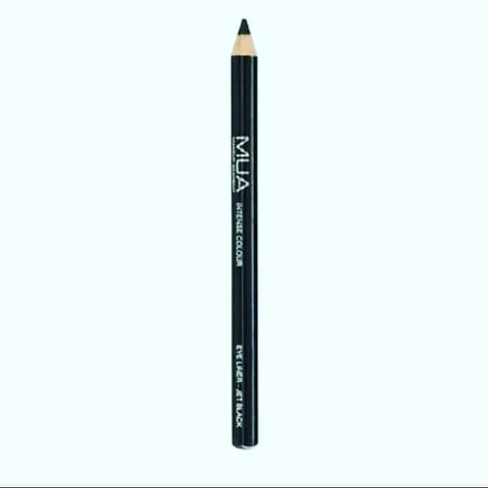 Makeup Tip / Trick / Hack Of The Day . . Put your eyeliner or brow pencils in the freezer before you sharpen them. . . Freezing your pencils might make it easier to draw on your lids as well. . . . . . . . . . . . . . . . . . . . . . . . #eyemakeup #eye #makeuptips #makeuptricks #makeuphacks #hacks #bangaloregram #igersofbangalore #bangalorebeautyblogger #bangaloreblogger #instafollow  #followback #followforfollow #follow4follow #instablogger #beautyblog #beautyblogger #instadaily #instagram  #shoutoutforshoutout #shoutoutforfollow  #beauty #fashion #beautyblog #bblog #bblogger  #bangaloreinstagrammers #eyeliner #browpencil #brows