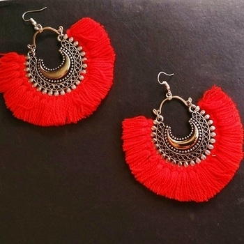 Spice up any outfit with these Red Boho Tassel Earrings!  Price: 299. Free Shipping!  Comment to order. #newarrivals  #festivefashion #earring #earringonline #onlineshopping #instastore #instashop #eotd #fashionaddict #tasselearrings  #red #redtasselearrings  #tasseljewellery #jewelery #earrings #tassels  #india #giveawaycontest #diwalifashion #diwali2017 #specialoffer #noshipping #delhi #mumbai #pune #kolkata #hyderabad #punjab #up