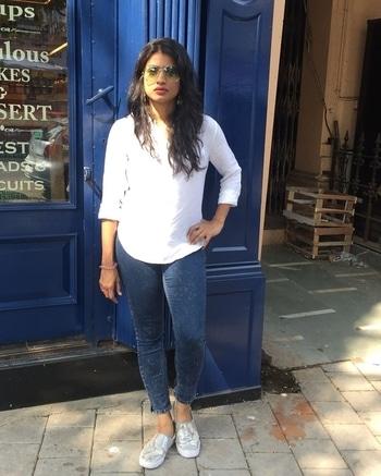 Sunday swag  #denim-love #blue #whiteshirt #myfavourite #green #shades #chilling #scenes #brunch #tale #shine  #shoes #happy #me #swag #swag_look #be-fashionable #besimple #bestylish #sundaybrunchlook #sundaysbelike #sundayselfie
