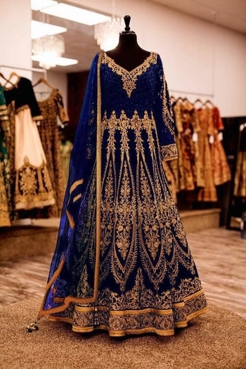 Beautiful Lehanga -@3400/- INR Only, Fabric details --  Let the Bride💃🏻Grace with Style This Wedding Season With💄💅🏻💍👗  💃🏻DJ - 71 A, B, C,        💃🏻Concept 🎀(1)Anarkali 🎀(2) Bridal Lengha (Can Be   💃🏻Size - Max Upto 46 (XXXL),       💃🏻Anarkali 9000 Velvette With Heavy Embroidery Golden Jari Work + Inner Golden Patta + Lace & Diamond Studded 💎,       💃🏻Sleeves - Long sleeves with a Patch Butta of 9000 Velvette & Diamond💎studded on it,       💃🏻Inner - Heavy Santoon 2 Mtr👖,     💃🏻Dupatta - Soft Mono Net 2.60mtr with Butti , Lace Border, Latkan & Diamond 💎,       💃🏻Style - Bridal & Party Wear,      💃🏻Type - Anarkali/Lengha Choli,      💃🏻Weight - 1.5kg,      ❤The Bride's Choice❤  💃🏻Wear It Party it💃🏻 **WHATSAPP ME AT +91 9760614947** #lehenga#lehengacholi#indianfashion#indianweddings#sagan#mehndi#designerdress#delhi#mumbai#fashion#dallas#dallasindia#wedding#indianwedding#london#londonfashionweek#canada#australia#dubaifashion#dubaiethnic#womenfashion#trendy#latest#sareehyderabad#delhi#delhistreet#pune#bangalore#delhiwedding#floral,