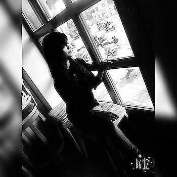 Be yourself..... #black-and-white #thinking  #windowsideview #so-ro-po-so  #loveyourself #loving it #lifestyleblogger  #lifestylepost #behappy