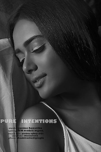 photo: shamitashettyingle & @sashiingle    #roposo #roposo-style #roposo-fashiondiaries #roposo-creativeartist #justraw #blackandwhitephotography #blackandwhitepic #monochromatic #monochromephotography #gq #gqmagazine #gqstyle #gqчеловекгода #mensmagazine #mensfashion #mensfashionblog #mensfashionpost #mensstyle #fashionista #fashionblogger #fashiondiaries #fashionstatement #fashioneditorial #fashioneditorials #voguemagazine #vogueitalia #instagram #instagrammers #mensxpofficial