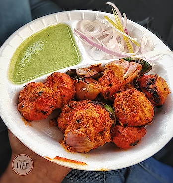 ❓ Chicken Tandoori Momo's 📍 NSP . . . Follow @unblushedlife . . . #unblushedlife  #blogger  #igers #instagramer #instadaily #instaphotos #foodpicsdaily #followforfollow #like4like #foodgasm #foodiegram #foodlove #sinful #Delhifoodguide #foodporn #foodlover #foodshot #foodiesofinstagram #soulfood #omnomnom #food52grams #foodtalkindia #tasty  #vsco #trending #chandigarh #delicious #delhi #india
