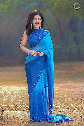 Again with my new found love for Sarees in Ritu Kumar creation! Just makes you feel super feminine ☺  Team- @sk_collaboration_photography, @meet_makeovers  #saree  #indianwear  #bluesaree  #morning  #haircrimper  #indianmodel  #instafashion  #styleoftheday  #mrsearth  #priyankakhuranagoyal #mrsindia