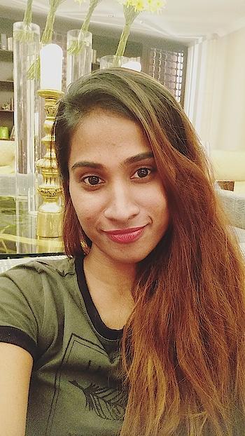#modellife #bangalorediaries #selfie #time #fashionvlogger #fashiontrends #fashionblogger #modellife #lovefromkhush😉 #happyme #girls #swag #😜