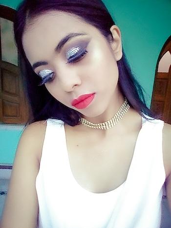 #glittereyes #cutcrease #glitterlove
