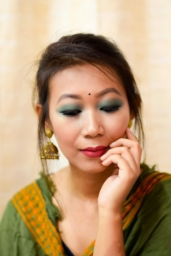 Another look for #durgapuja2017makeup . . . #youtuber  #youtubeindia  #indianyoutuber  #indianbeautyblogger  #ta_ma #mua #asianeyes  #monolidmakeup #makeup  #makeuplover #powerofmakeup #blogger  #ytcreatorsindia  #bbloggerindia  #motd #makeuplove  #indianfestivelook  #puja  #durgapuja2017  #durgapujamakeup #durgapujamakeuptutorial #durgapujamakeuplook