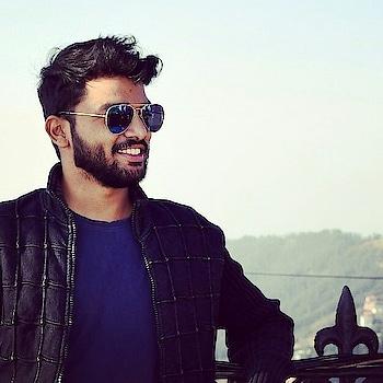 #ropo-style #shimla #sunglasses #hot #hotnessoverloaded #dimples #dimple #blazer #stylishlook #fashiondiaries #be-fashionable #fashionbloggerindia #fashionblogger #dressup #suitup #sexy #cute #follow #hotguy