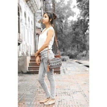 Super Comfy Clothes are perfect to serve your busy lifestyle.💯 Check out full blog 👉(LINK IN BIO)  @online_sarojini_nagar blog 2❤ •  #thatglamorousgirl #roposotalenthunt  #fashionblogger#instagood#popxo#fashiontrends#highontrends#latesttrend#whitetanktop#fashion#followme#sarojininagar#indianblogger#indianfashionblogger#fashionblog