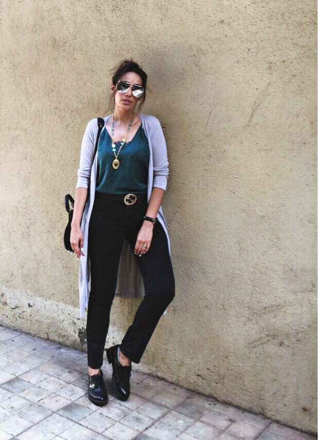Wednesday OOTD ☝️️👊 - - #ootd #wiw #whatiwore #whatimwearing #ootd #outfit #outfitoftheday #outfitpost #casual #layering #chic #summervibe #trendy #ss17 #fashionblogger #lifestyleblogger #indianstyleblogger #indianfashionblogger #womaniloveyou #jassagu