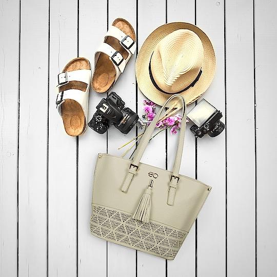 All we need is  l̶o̶v̶e̶ handbags!  Ain't we right?  #handbags #love #shopping #fashion #style #instastyle #stylegram #e2ofashion