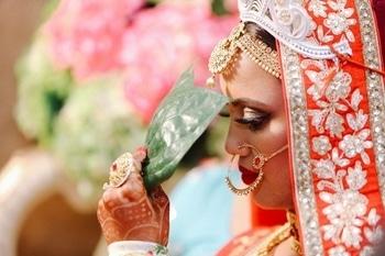 It's wedding season again! Decoding my wedding looks through the blog post { http://www.fashionbyruda.com/our-wedding-journey/ }. I hope you enjoy it. . . #fashionbyruda #fashionblogger #rudadiaries #picoftheday #pictureoftheday  #weddingdiaries #wedding