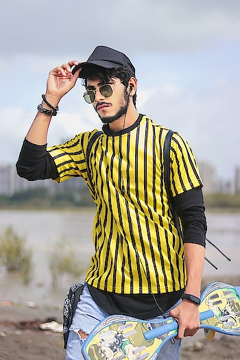 In Love with that Vibrance ! . . T-shirt by - @sheinofficial . . Shot by - @thedaydreamstudio . . #TSDFAM  #TSDSTYLE  #mensweardaily  #streetstyle  #streetwear  #menstyletrend  #mensfashionpost  #mensweardaily  #menstyletrend  #yellow #vibrant #surat #fashionnova #blogger #fashionblogger #fashioninfluencer  #india