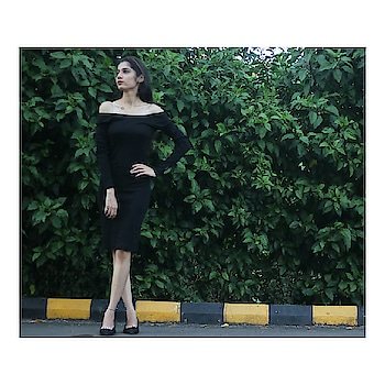 Party ready with @ajiolife . . . #DressedToGig#plixxoGig @ajiolife  #ootd#ootdshare#indiafashionblogger#mumbaifashionblogger#blog#stylegram #fashiondiaries#fashionpost#fashiongram#fashionblogger#instagraminflucer#plixxoblogger# tags4likes#love#like#sharw#followme #thevoguemania