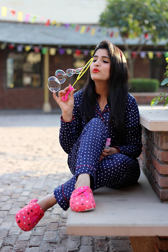 Enjoying the weekend in this comfy set. Polka definitely adds a fun quotient, what say?  Nightwear: Midnight closet (You may check them on Instagram)  #roposolovers  #soroposo #fashionblogger  #yournextpick #roposo-makeupandfashiondiaries #roposoblogger  #stylingtips