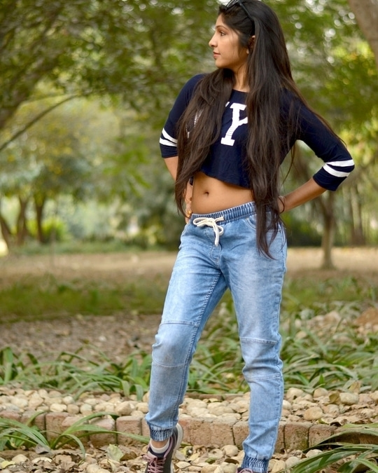A good start of new year 2017 in collaboration with @bewakoofofficial Styling Bewakoof Blue Denim Jogger with NY Crop Top  #bewakoof #collaboration #fashionblogger #delhifashionblogger #indianfashionblogger #blogger #delhiblogger #bloggerdiaries #bloggerlife #style #bloggerstyle #denim #denimjogger #streetstyle #casualstyle #fashion #streetstylelook  #croptop #jogger #loveforshoot #stylish #newfangled #bohogirl #fashionblog