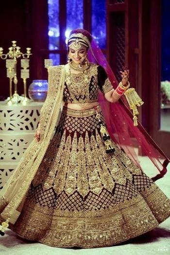 It's Awesome... just beautiful... wonderful... glamorous! #awesomelook #bridal #bridal-wear #bridal-jewellery #bridal-makeup #traditionaldress #be-fashionable