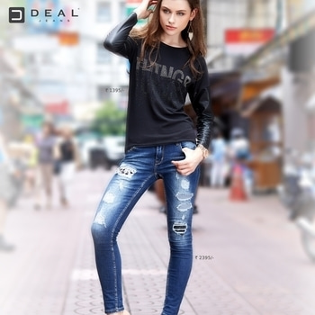 A pair of ripped denims over a cool top is all that sets your weekend mood! #DealJeans #roposo #soroposo #roposolove
