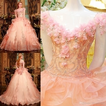 #gownlove #floralgowns #peachlove #bridalfashion #beautydeals #fashionroposo #gorgeousoverload #lovelife #staystylish #staycool #stayclassy #loveyourselfnomatterwhat #keepfollowingformore