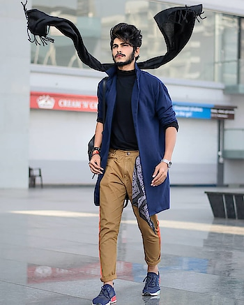 NAVY - SHRUG DRUG. . . Captured by - @fantom__photography . . Shrug by - @fugazeeinc . . #TSDFAMILY  #TSDFAM  #thestyledweller  #thestyledwellerxfugaze #shrug #mustard #men #blue #streetstyle #fashiontrend  #menshair  #menswithstyle #menwithstreetstyle  #chinos #mensfashionreview  #mensfashionpost  #mensstyling #menswear #fashioninfluencer  #fashionblogger  #indianinfluencer  #indianblogger  #contentcreator #surat #india