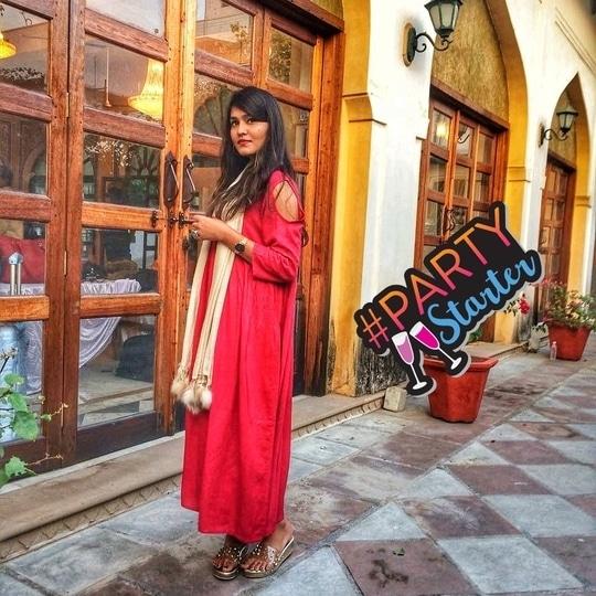Striking a post at Rajasthan heritage fashion week 2017. Soon Vlog is coming on my youtube channel 💥 . . #fashion #ootd#style #fashionblogger#fashionista #jaipurblogger #jaipurbloggers #womensfashion #instastyle#lookbook #ny #newyork #dubai#london #india#likeforlike #love #picoftheday #outfitoftheday #ethnic #jaipur #treasuremuse 💝#roposo #soroposo#ropo-love#ropo-good #roposostyle #roposogirl #roposostickers#roposolive#roposofashion #roposostyle #partystarter