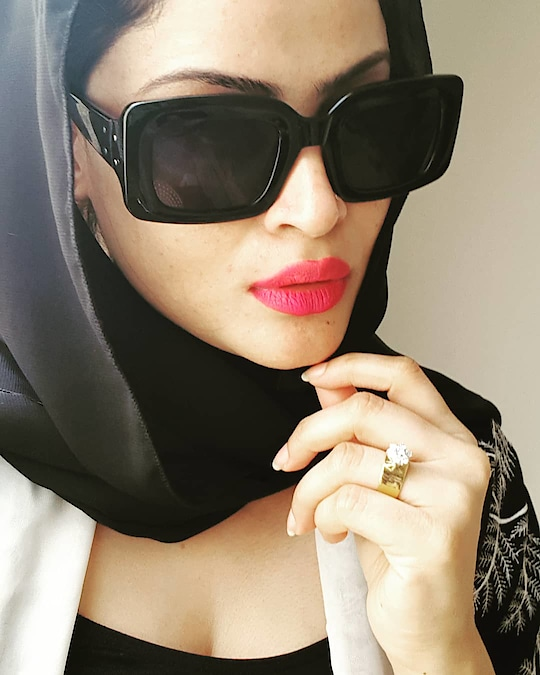 Black is always elegant🖤 : : : :__________________________________ : : : #selfie #fashiontrends #fashionstatement #diva #glamourous #black #wiw #instafamous #instagram #lipstickoftheday #abayafashion #selfiequeen #whatiwore #dubaifashionista #dubaifashion #dubaistyle #dubaigirls #dubaistylist #dubaiabaya #instadubai #uaefashion #dubaigirl #dubaiinstagram #dubailife #dubaibeauty #dubaiglamour #dubaidiva #dubaitrends #dubai❤️ #dubailiving