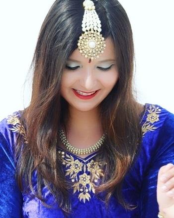 Good morning everyone, may your day be blessed and stay happy guys! 🌼 #morninginbed  #goodmorningfam  #happymornings  #beautifulmornings #roposopost  #roposotalks #roposostyle #roposoblogger #soroposo #indianblogger #beautyblogger #priyamaurya #thevelvetvanity #instablogger  #lucknowblogger #fashionblogger #indianweddingfashion #indianoutfit #accessorized