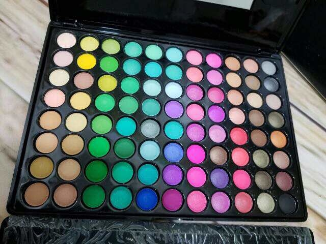#eyeshadowpalette #eyeshadow #makeup #cosmetic #eyemakeup GD  MAC PROFESSIONAL MAKE UP KIT💕💕  88 EYE SHADOW PELLATS NUDE BASED  COMPLETE EYE SHADOW KITT 😍  100% ORIGINAL  STUFF WITH ORIGINAL FRAGRANCE ORIGINAL PACKING N ORIGINAL BOX😍  NO COPY N ALL❌❌  To order dm or WhatsApp-9157500031