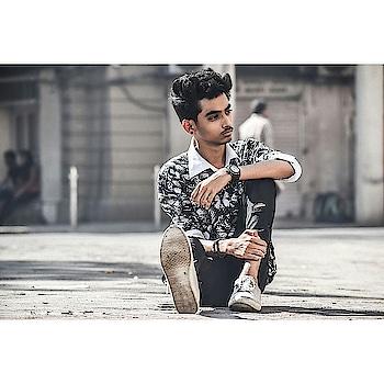craziiee boiiii 😋😋 #model #modelling- #modelwanted #fashion #be-fashionable #men-fashion #menswear #menswearinfluencer #menswearinfluencer #fashioninfluencer #styling #ropo-good #ropo-style #ropo-love #trendy #trendywear