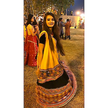 #navratri  #bestplace  #2018  #traditional   #adanishantigram #adani  #festival  #light  #joy  #bloggerlife  #artgasmic  #artgasmicdisha #ropo-love #ropo-good #ropo-style #ropo-beauty #blogging #fashion-blogger #blogger-style #dandiyanights #fun #contestalert #roposo #roposo-makeupandfashiondiaries