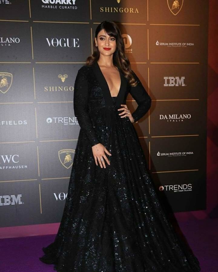 Ileana At Vogue Women Of The Year Awards 🖤tanghavri Beauty is not in the face beauty is a light in the heart - Kahlil Gibran 🌟 #voguewomenoftheyearawards2018