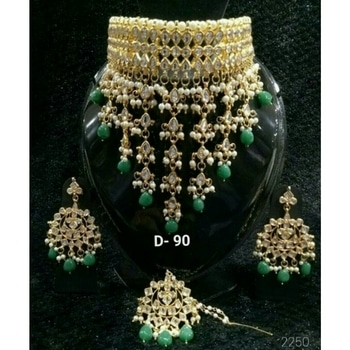 Kundan  Choker Necklace 💞 Bridal And Semi-Bridal Necklace 📿  💎💎💎💎💎💎💎💎💎💎💎💎 °Manufacturer Of Kundan Jewellery° ✓All The Kundan Jewellery Pics Posted On The Page Are Always Available ✓  °Everything Is Made On Order° ✓Any Colour Can Be Customised As Per your Preference✓ ✓contact - 9999274651✓ °Contact For Wholesale Jewellery° °Join us as a reseller° ✓whatsapp 9999274651 for enquiries and placing  💎💎💎💎💎💎💎💎💎💎💎💎  #kundanjewellery #Bridalset #bridalwear #semibridal #goldenbless #greenbeauty #greengolden #Chokerstyle #trendyjewellery  #kundanjadau #Indianjewellery #traditionaljewellery #weddingjewellery #weddingseason #kundannecklace #Golden #allaboutjewellery #Newdesign