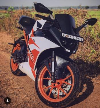 #ktmsuperduke #duke200 #superbike #supermodels #love #riders #racing #hero #bikers #warangaldiries #ajaykumar #metro #buketlist