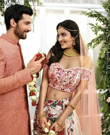 wedding dressing goals!  Follow: @prernadeep6 for more such updates.  #printed #offshoulder #lehengalove #weddingphotography #weddinglehengas #roposobeauty #dailyinspiration #prernadeep6  #wedding