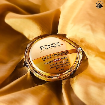 We've got you a wrinkle weapon, it's got the power of Vitamin A and E and has real gold particles in it. Pond's Gold Radiance fights fine lines and gives you a radiant glow! #Ponds #PondsIndia #Skincare #Vitamins