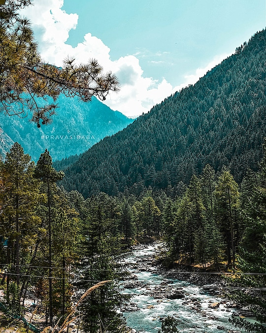 beautiful mountains and Parvati river