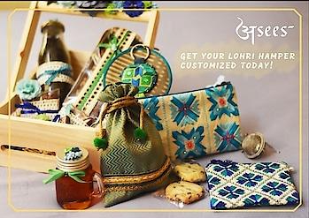 Phir Aa Gayi Bhangre Di Vaari, Lohri Manuan Di Karo Tyari... Add your favorite winter savouries in these beautiful Gift Hampers and celebrate Lohri the traditional way.  To order, Leave us a message.💌 #happylohri #lohri2k19 #lohri #asees #phulkari #colorful #phulkaripotlis #totebags #cottoncanvaspouches #travelkits #tablerunner #keychains #slingbags #zippouches #bagaccessories #threadwork #festivegifts #festiveseason #weddingfavors #weddinggifts #favors #colorfulpotlis #phulkaripouches #phulkari_collection #traditional_phulkari #indian_phulkari_designs  #gurgaonfashion  #ethnicbags #ethnicaccessories #phulkariaccessories
