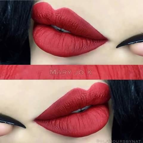 glossy lips.. beautiful makeup.. #awesomelook #makeup and beauty #lipshade #bold lips #lips makeup #bold-is-beautiful #be-fashionable  #beautytips