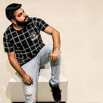 Distressed denims make me {de -stressed}, because I look cool in them. . . #animatedtheme  #printed  #summer  #floralprint  #summervibes  #mensstyle   #ootd  #mensfashion  #lookoftheday  #stylegram  #instagood  #mylook  #fashionista  #beard  #fashionaddict  #black  #ootdwithnkhl  #blogger  #bwithtfb  #fashioninfluencer  #stylemagazine   #gentleman  #riwaayat  #pattern  #beardedvillains  #streetstyle  #moustache  #shirts  #fashionblogger