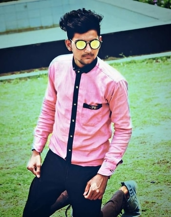 #look #love #pose #fashion #blogger #fashionblogger #swag #pic #picture #model #photo #roposo #roposome #roposoworld #roposolove #roposomodel #famuos #indian #sameerkhan