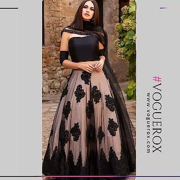 #voguerox #ethnicwear #lehanga #partywear #beautifuldresses #womenwear www.voguerox.com