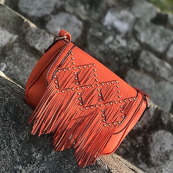 A tangy orange that's sure to prep up any weekend outfit! #E2oFashion
