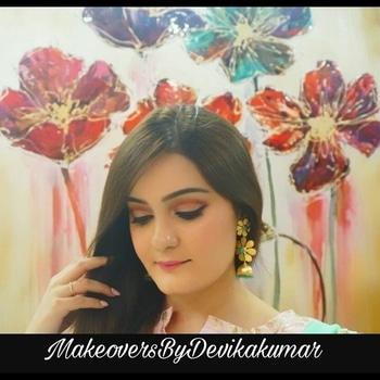 Glamorous Rakhi Makeup Look 👸 Cutcrease Variation Love 😎 PRODUCT DEETS :- EYES- @nyxcosmetics_in -  eye Primer @morphebrushes - 350 M Pallete @urbandecaycosmetics - moondust Pallete @maybelline - Gel Eyeliner & Mascara #mnyitlook  BROWS - @Sephora_india - mini Brow Pallete  FACE - @diormakeup - Foundation @morphebrushes -  9B Blush pallete @maccosmeticsindia - Highlighter @benefitindia - Porefessional @maccosmeticsindia - prep+ Prime setting spray  Lips - @maccosmeticsindia - please Me Lipsstick  #cutcreaseeyemakeup #pinklove #daymakeupglam #mua #makeoversbydevikakumar #beautyinfluencer #undiscovered_muas #featuring_mua #flawlessdolls #beautyscoopindia #followforfollow #like4like #imbbmakeupgurus #makeupartistsworldwide #roposo #roposomakeupartist #roposoglam #roposodiaries #roposogal #roposo-makeupandfashiondiaries #roposo-style    ✨Follow My Handle For Latest Updates Now :-  MakeoversByDevikakumar On Instagram & Facebook For More Glam Looks (Link In Bio )