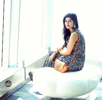 Happy Weekend 🙂🙂☺☺ #anamikachattopadhyaya #nbamblog #naturalbeautyandmakeup #fashionblogger #maxidress #floraldress #lifestyleblog #styleblogger #hkblogger #indianblogger #soroposogirl #roposoblogger