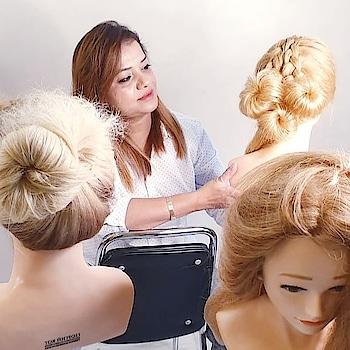 ANAM'S BRIDAL MAKEOVER  #hairstylistworldwide #hairstylist #makeupartistindia #hairpost #weddingsutra #bridalhairstyle