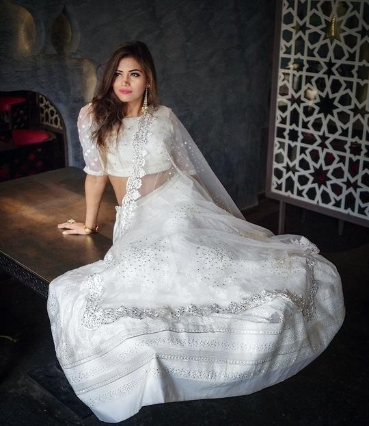 Loving the simplicity and tranquillity of this beautiful lehenga from @joemansoori 💕  #WardrobeSecrets #ethnicwear #JoeMansoori #traditionalwear #indianwear #mumbaifashionblogger #mumbailifestyleblogger #lehengas