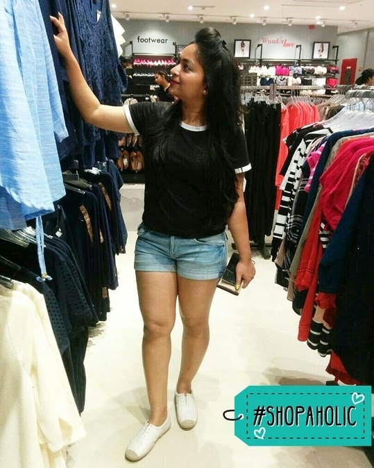 Shopping time   #shopaholic #shoppingtime #shoptillyoudrop #roposo #roposotalks #watiamwearing #casualwear #casualvibes #twinklewithmystyle #shopaholic