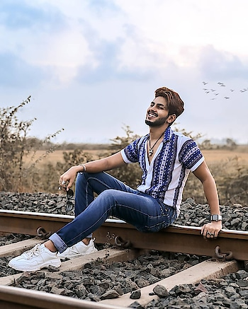 Everyday is a new beginning, a new day a new chapter. Try to live everyday quite different than yesterday or else it's like a robot based on algorithms. . . Shirt by - @qarotmen . . Shot by - @snapeturemoments . . #TSDFAM  #thestyledweller  #vitragmehta #fashioninfluencer  #fashioninspiration  #fashionblogger  #mensfashioninspiration  #mensstyleinfluencer  #menshair  #mensfashion  #fashion #ootd #styleinspiration  #blue #casualstyle #menssummerstyling  #mensstyleblogger  #styleblogger #whitesneakers #printedshirt #sneakers #hairstyleformen  #suratinfluencer  #suratfashionblogger  #suratblogger  #indianfashioninfluencer  #indianblogger  #indianstyleinspiration #india