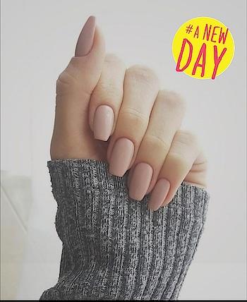 #girlnails #girlsstyle #nail-addict #nailpolish #nailsoftheday #palepink #anewday